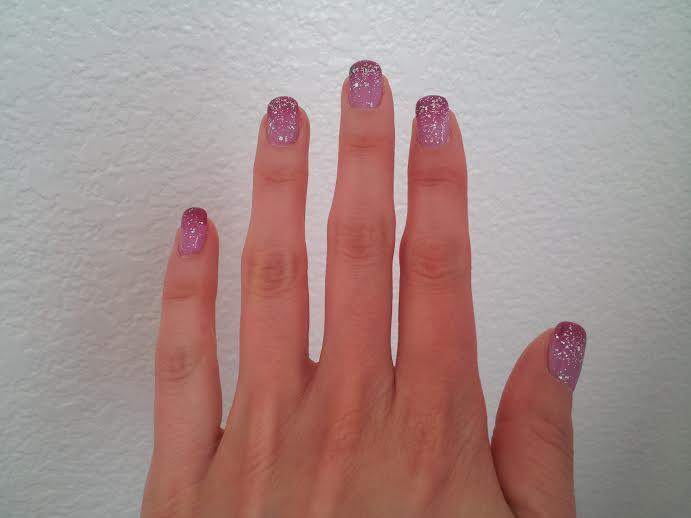 nails-glittery